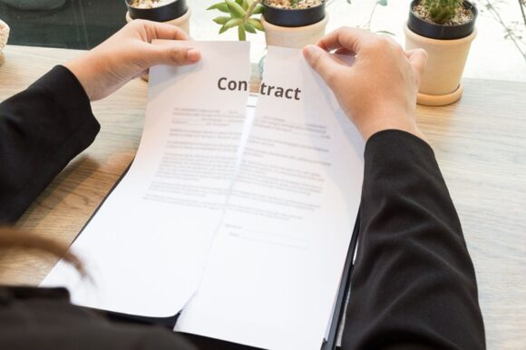 Vaststellingsovereenkomst ter beëindiging arbeidsovereenkomst tijdig ontbonden